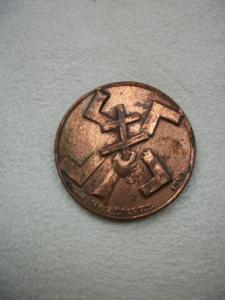 medallion. French, dated 'XI Novembre 1943'